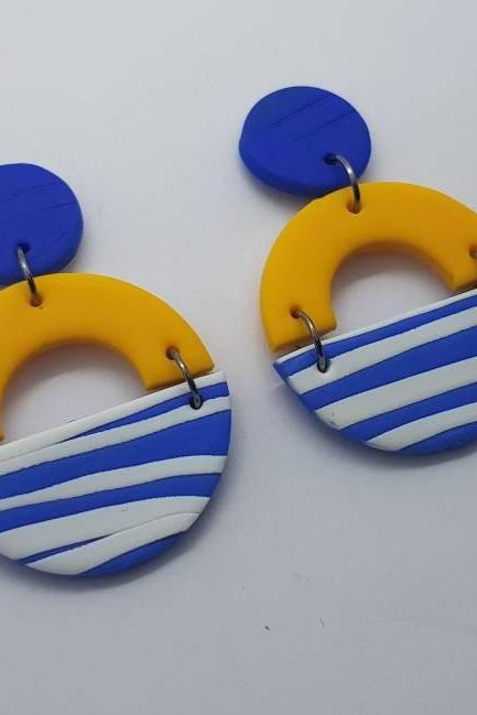 Stripes round statement polymerclay earrings yellow blu nautical polymer clay orecchini fasce giallo blu nautica rotondi