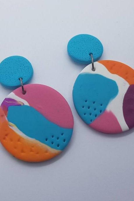 Marble effect waves pattern statement polymerclay earrings colorful polymer clay orecchini anni vintage rotondo marmo effetto onda celeste